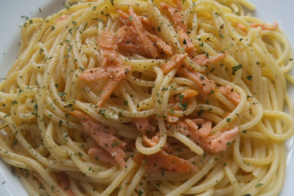 ricetta spaghetti al salmone e vodka