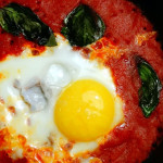 pomodoro e uova in padella