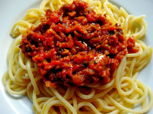 spaghetti al ragù vegetale di seitan