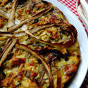Torta salata con radicchio e porro