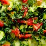 ricetta insalata cruda con cetriolo e zucchina