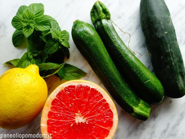 ingredienti insalata cruda di cetriolo e zucchina