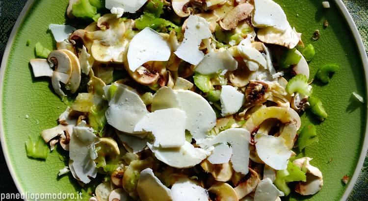insalata di funghi e sedano