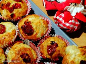 ricetta muffin gusto pizza con pomodorini