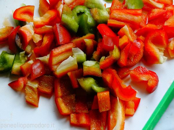tagliare a dadini le verdure