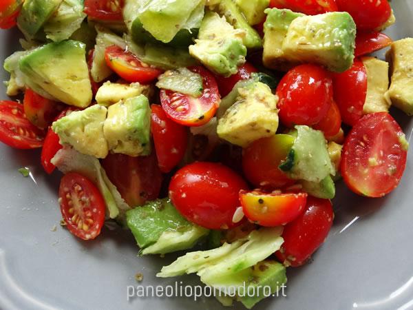 ricetta insalata pomodorini e avocado