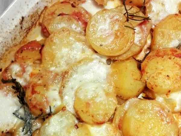 patate al forno al pomodoro