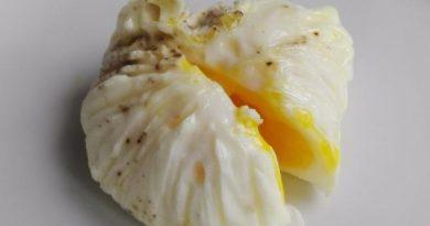 come fare uova in camicia