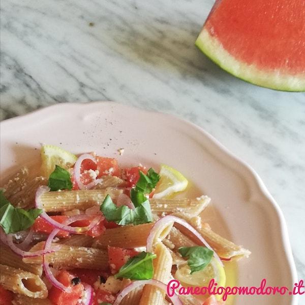 insalata di pasta fredda con cocomero