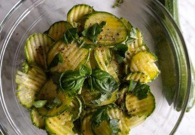 zucchine crude marinate al limone